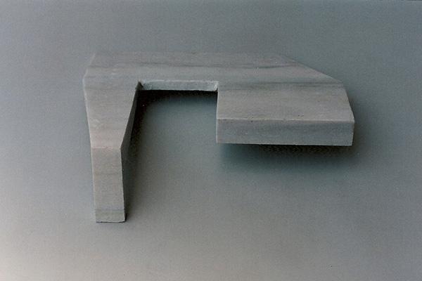 Gabriel_Diaz-1997-Escultura-Pilano_inclinado-marmol-3