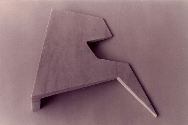 Gabriel_Diaz-1997-Escultura-Pilano_inclinado-marmol-8