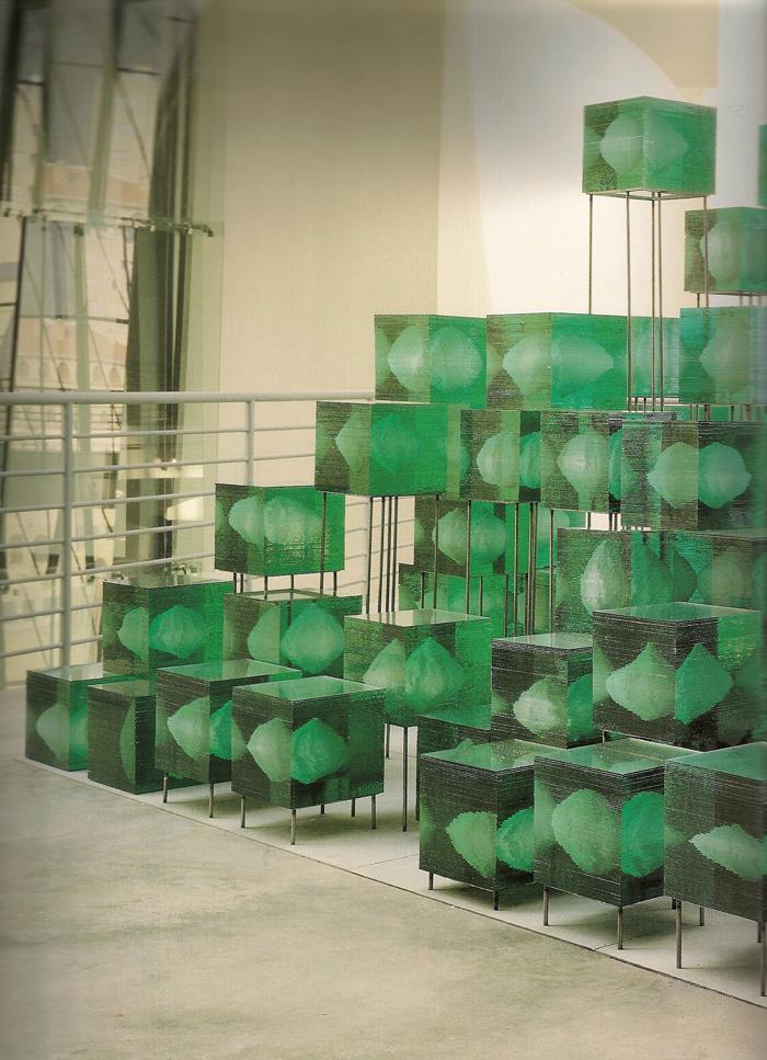 Gabriel_Diaz-1999-escultura-Piramide_Anti-12-Guggenheim