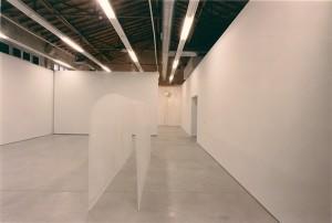 Gabriel_Diaz-Exposición-2001-Tres_Montañas-Galeria_Moises_Perez_Albeniz-4